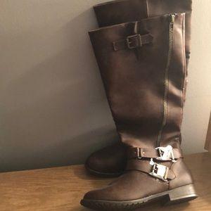 Brand new brown boots reg  calf NEVER WORN size 10